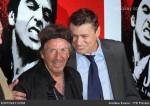 Tony (Al Pacino) e Manny (Steven Bauer) alguns anos depois...Al Pacino mostrou respeito aos rappers que referenciaram Tony durante todos esses anos.