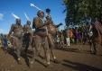 Homens da etnia Bodi, Etiópia. Fotografia de Eric Lafforgue