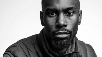 Deray Mckesson, ativista negro e gay, líder do movimento estadunidense Black Lives Matter.
