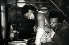 Oprah Winfrey de Danny Glover no filme Bem Amada.