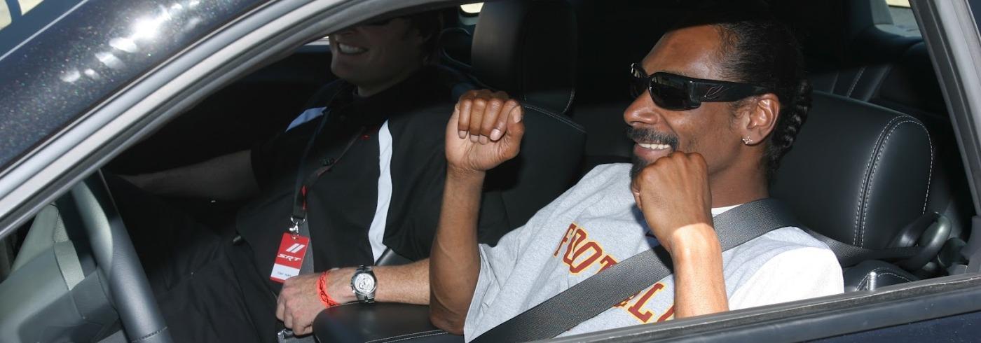Snoop_Dogg_in_car