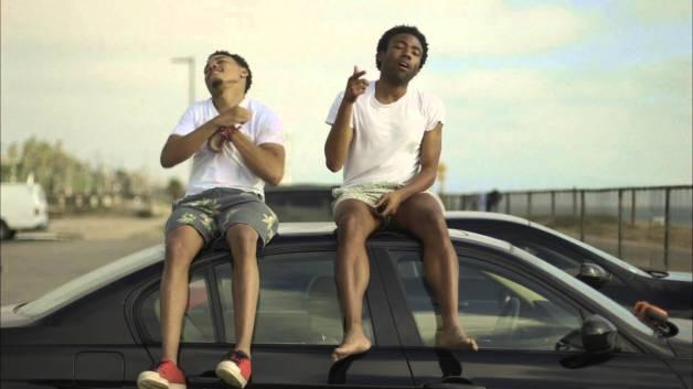 """Chance The Rapper (à direita) e Childish Gambino (à esquerda) já estiveram juntos no clipe da faixa """"The Worst Guys""""."""